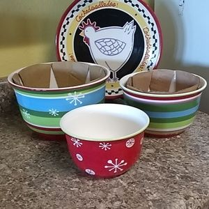 Other - 3 piece set of never used Holiday Mixing Bowls